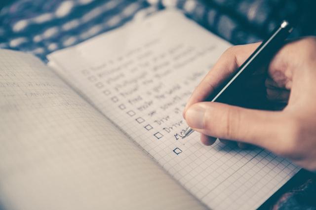 لیست کارهای روزانه برای خودتان داشته باشید.